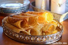 Fløtekrumkaker - Berit bruker fløte, også etter at røren har stått lenge. Snack Recipes, Snacks, Apple Pie, Eggs, Chips, Baking, Cake, Desserts, Christmas