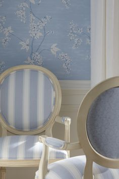 Ethan Allen Blue Dining Rooms. Icy blue and white patterns at play.