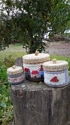 EL BAÚL DE TELAS: Tres cestos country Handmade Crafts, Diy And Crafts, Embroidery Purse, Sewing Baskets, Fabric Bags, Christmas Angels, Pin Cushions, Needle Felting, Home Crafts