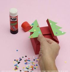 cajas de regalo para imprimir fuente ,.  http://www.manualidadesinfantiles.org/cajas-de-regalo-para-imprimir-y-armar