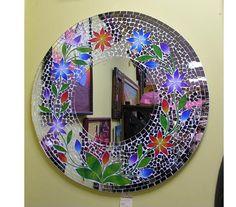 Tecnica de mosaico sobre espejo hecho con venecitas y for Espejos murales decorativos
