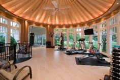 Huge home gym.. i would love one! But I still wouldn't use it. Bahahaha