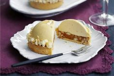 Edd Kimber's Caramelised white chocolate, ginger caramel & macadamia tarts. This stunning patisserie-standard, mousse-like dessert from Great British Bake Off winner Edd Kimber is pure indulgence on a plate (food plating mousse) Fancy Desserts, Gourmet Desserts, Just Desserts, Delicious Desserts, Plated Desserts, Sweet Pie, Sweet Tarts, Baking Recipes, Cake Recipes