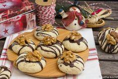 Weihnachtsgebäck - Walnussplätzchen - Katha-kocht! Muffin, Food And Drink, Cookies, Baking, Breakfast, Desserts, Christmas Recipes, Google, Oat Cookies