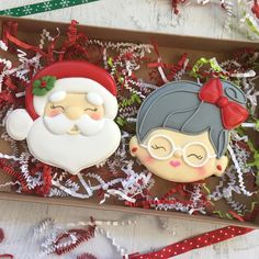 Im totally into Christmas cookies this year. Cant wait to make all the designs. Thought I would post these since cadiescookies is so Santa Cookies, Christmas Sugar Cookies, Iced Cookies, Christmas Cupcakes, Christmas Sweets, Cute Cookies, Noel Christmas, Christmas Goodies, Yummy Cookies