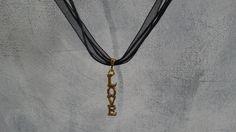 Collier fantaisie 45cm pendentif LOVE : Collier par hi-megi