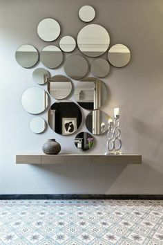 Modern Mirror Design for Living Room. Modern Mirror Design for Living Room. 15 Fascinating and Exceptional Modern Mirror Designs Decoration Hall, Entryway Decor, Apartment Entryway, Entryway Mirror, Entrance Hall Decor, Beautiful Decoration, Main Entrance, Design Case, Wall Design
