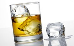Обои стакан, напиток, виски, лед