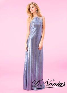 Vestido en chaquiras color azul cielo, ideal para un matrimonio en la playa.