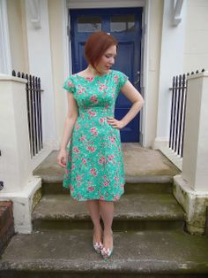 By Hand London Anna dress - I'm going to start mine today. Anna Dress, Dress Out, Sew Dress, Fall Dresses, Casual Dresses, Summer Dresses, Boho Fashion, Girl Fashion, Vintage Fashion
