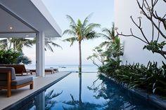 Modern beach house villa in Mui Ne, Vietnam seaside, by MM++Architects, Oceanique Villas Interior Tropical, Luxury Interior, Infinity Pools, Villa Am Meer, Jardin Luxuriant, Vietnam, Tree Plan, Design Minimalista, Parasols