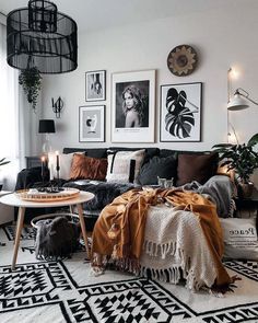 Uncover More Entrancing Boho Scandinavian Living Rooms Ideas 28 Marvelous Scandinavian Living Rooms With Boho Style Ideas Scandinavian living-room have an air from elegance and abundant custom. Boho Living Room Decor, Living Room On A Budget, Home Living Room, Living Room Designs, Bohemian Decor, Bohemian Beach, Bohemian Living, Cool Living Room Ideas, Boho Room