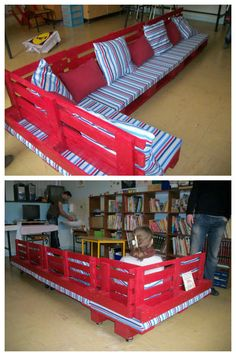 Kind of custom pallet bench ! This is not the first time we see this type of use for pallets, but this one is really well done !  Kids must love !  Submitted by a facebook friend ! #Kids, #PalletBench, #PalletSofa, #School