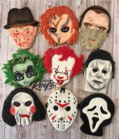 Scary Halloween Cookies, Halloween Cookies Decorated, Halloween Baking, Halloween Desserts, Halloween Treats, Comida De Halloween Ideas, Halloween Party Themes, Halloween Goodies, Halloween Birthday