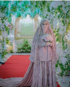 Bride syar'i Hijabi Wedding, Muslimah Wedding Dress, Wedding Dressses, Muslim Wedding Dresses, Muslim Brides, Wedding Bridesmaid Dresses, Muslim Couples, Gown Wedding, Bridal Hijab