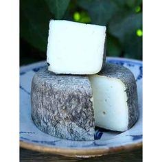Formatges Blau de Muntanyola  Garrotxa ( de llet de cabra )