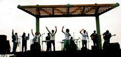 Orquesta Son de Bahía en una presentación en la playa de La Herradura. Playa y buena música siempre es buena combinación.