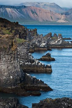 Cliffs near Hellnar, Snæfellsnes Peninsula, Iceland; photo by Thorsten Scheuermann