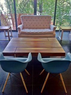 #Diseño de #interiores y #mobiliario, Departamento Seneca; Mesa de centro Slot, mesas de apoyo Moebius y Sillas #Eames. #santorojo #arquitectura