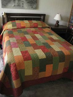 offset rectangles--could be used with a multitude of colors How simple and versatile. Great idea for guys quilts! Flannel Quilts, Fall Quilts, Boy Quilts, Patchwork Quilt, Scrappy Quilts, Colchas Quilting, Quilting Designs, Quilting Board, Quilting Ideas