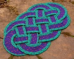 Climbing rope rug *W* pretty colors.
