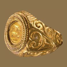 LATE ROMAN BETROTHAL RING Roman Empire, 3rd-4th c. Gold