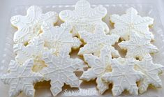 Like real snowflakes each of our decorated snowflake cookies is unique and beautiful. We add a little sparkle to make these snowflake cookies a lovely gift or a sweet treat to enjoy on a winters day. *This listing is for twelve (12) hand decorated sugar cookies made fresh to order* Designs details Hannukah Cookies, Snowflake Cookies, Christmas Sugar Cookies, Christmas Desserts, Holiday Cookies, Christmas Recipes, Royal Icing Cookies, Cupcake Cookies, Cake Decorating Tips