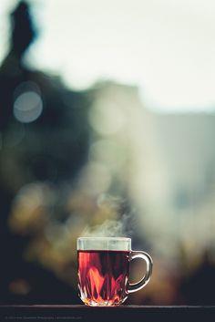 """""""Non trovo mai una tazza di tè abbastanza grande o un libro abbastanza lungo da soddisfarmi."""" Clive Staples Lewis"""