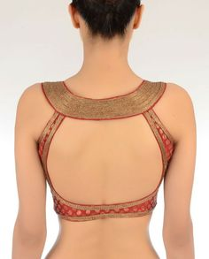 100 Sexy Low Back blouse Designs For Indian Women - Outfits Hunters Choli Designs, Sari Blouse Designs, Saree Blouse Patterns, Designer Blouse Patterns, Blouse Styles, Mehndi Designs, Kurta Designs, Sari Bluse, Indian Blouse
