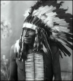 Chief White Bull: 1849 – 1947. He was the nephew of Sitting Bull and participated in the Battle of the Little Big Horn. Some believe he killed Custer. Prior to becoming a combatant against Custer, White Bull was already an accomplished fighter. He had taken part in at least 20 battles, against the US Army and other tribes. White Bull was shot on two occasions, in addition to other injuries received in battle, he also underwent the torturous Sun Dance more than once.