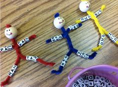 Cute activity for word families. I could adapt this idea to make worry dolls- instead of word families use words to remember calming activities : breathe,count,jump, etc. Kindergarten Literacy, Early Literacy, Classroom Activities, Reading Activities, Spelling Activities, Teaching Reading, Kids Learning, Phonics Reading, Reading Comprehension