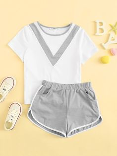 To find out about the Girls Cut-and-sew Top & Dolphin Shorts Set at SHEIN, part of our latest Girls Two-piece Outfits ready to shop online today! Teen Fashion Outfits, Trendy Outfits, Kids Outfits, Cute Summer Outfits, Cute Outfits, Cute Sleepwear, Girls Cuts, Dolphin Shorts, Teenager Outfits
