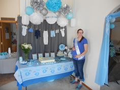 If your pregnant is 38 weeks or up, you must prepare your baby born. You must be a prepared baby shower. Baby shower themes for boy can be quite different than those for a baby girl. Royal Baby Shower Theme, Royal Baby Showers, Baby Shower Niño, Baby Shower Brunch, Baby Shower Games, Elephant Baby Shower Centerpieces, Baby Shower Decorations For Boys, Cheryl Baby, Baby Handprint Crafts