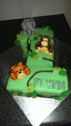 Baby Giraffe Birthday cake with matching mini Cake Cakes I made