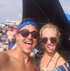 craccola: Hi. My name is Candice King and I'm a parrot head. About to fulfill my dream of seeing Jimmy Buffet live. I am not ashamed. I am also grateful to have a husband like @josekingseco who supports my parrot head lifestyle. #parrotheadsunite #jazzfest #myfloridaisshowing