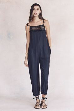 LOVE THAT JUMPSUITS ARE BACK AND MADEWELL DOES 'EM SO VERY WELL! Women's Clothing : Denim, Shoes, Dresses, Bags & Jewelry | Madewell.com
