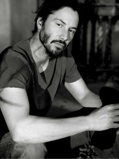 Keanu Reeves is many things to many people: He's an underrated dramatic and action star. Gorgeous Men, Beautiful People, Keanu Charles Reeves, Keanu Reeves John Wick, Actrices Hollywood, Hommes Sexy, Raining Men, Jason Momoa, Romantic Movies