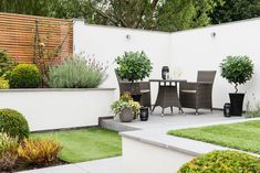 Spend more time in the garden this summer! Include simple garden décor to create the outdoor space you can enjoy with family and friends.