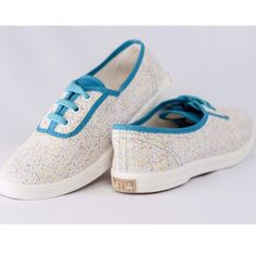 Zapatos Fiesta de @meliashoesec #zapatos #shoes #canvasshoes #canvas #confetti #fiesta #comfy #walking #discover #beach #summer #party #ecuador #zocoshop