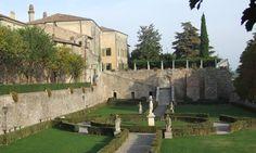 Volta Mantovana -Mantova Palazzo Guerrieri Gonzaga My Town, Westerns, Mansions, House Styles, Garden, Tourism, Culture, Italia, Villas