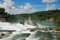 Rhine Falls in Schaffhausen, Switzerland.  - Landscapes of Europe   Bank of Images, Photos and Postcards ... Cascadas Rhin en Schaffhausen, Suiza. - Paisajes de Europa                    Banco de Imágenes, Fotos y Postales...