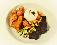 Traditional Indonesian Dish created with Sri's Tempeh as a healthy meat alternative Healthy Meats, Tempeh, Steak, Alternative, Beef, Foods, Dishes, Traditional, Live