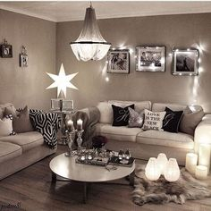 Cozy small living room decor ideas for your apartment 08 Black And Silver Living Room, Taupe Living Room, Cozy Living Rooms, My Living Room, Apartment Living, Interior Design Living Room, Living Room Designs, Living Room Decor, Bedroom Decor