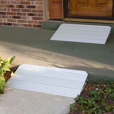 This modular aluminum threshold ramp by Silver Spring is constructed from lightweight, durable aluminum and supports up to 600 lbs. Ideal for wheelchairs and scooters.
