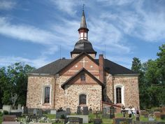 Church in Åland - Saaristomeri Finland Grave Monuments, Old Churches, Graveyards, Baltic Sea, Place Of Worship, Old Buildings, Archipelago, Entrance, Places To Go