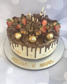 Sorry not long to go now ��here is a drip chocolate and vanilla sponge cake for a double birthday celebration loaded with yummy chocolates and fresh strawberries. @nazneen_zeb #cakeguide #instafood #instalove #instacake #photooftheday #instapic #asianbusinesspromoters #cakeart #cakedecorater #foodart #chocolate #igers #iglovers #cakegrid #cakesinstyle #instacupcakes @ig_chocolate @cakeguide @cakemenu @cake @whatibakedtoday @festejandoemcasaoficial @festejarcomamor @decorefesta #peach…