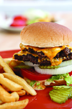 Photo by Angie Mosier Barbecue Recipes, Burger Recipes, Grilling Recipes, Beef Recipes, Burger Mix, Good Burger, Backyard Burger, Backyard Bbq, Bacon Meat