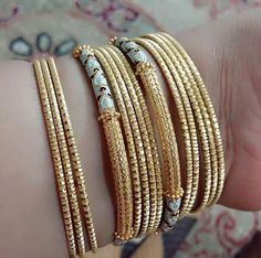 Gold Chain Design, Gold Bangles Design, Gold Jewellery Design, Plain Gold Bangles, Mehndi, Gold Jewelry Simple, Jewelry Patterns, Bridal Jewelry, Ali Baba
