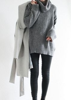 This sweater looks so cozy! London Fashion Weeks, New York Fashion, Minimal Chic, Minimal Fashion, Minimal Classic, Modern Fashion, Tomboy Fashion, Look Fashion, Fashion Outfits