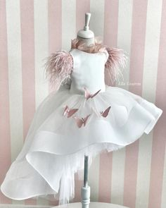 Little Girl Gowns, Gowns For Girls, Dresses Kids Girl, Baby Girl Party Dresses, Little Girl Fashion, Birthday Dresses, Baby Dress, Kids Outfits, Kids Fashion